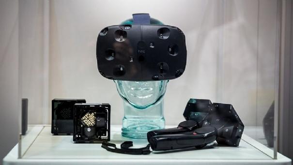 HTC Vive costerà $799 e uscirà a inizio aprile