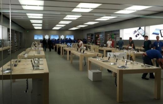 Nessun rimborso all'Apple Store: cliente arrabbiato distrugge tutto